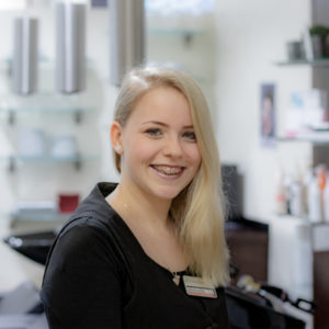 Hair Piratin im Friseursalon in Dorsten